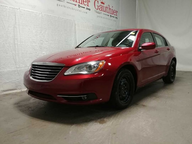 Used 2012 Chrysler 200 Touring - Heated Seats -  Remote Start Sedan for sale in Winnipeg, MB