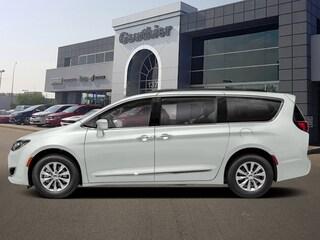 New 2020 Chrysler Pacifica Touring-L Van Q763 in WInnipeg, MB