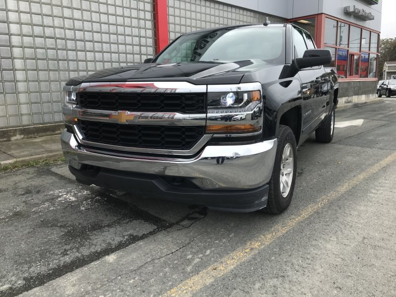 Used 2019 Chev Truck
