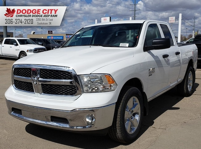 New 2019 Ram 1500 Classic SXT Plus | Bup Cam, BTooth, Cruise Crew Cab Pickup For Sale/Lease Saskatoon SK