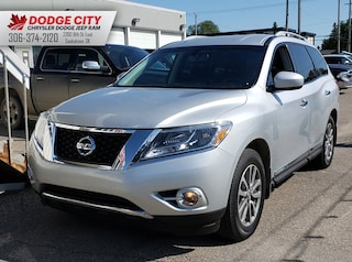 2014 Nissan Pathfinder SL 4x4 | Leather, Cruise, A/C Sport Utility