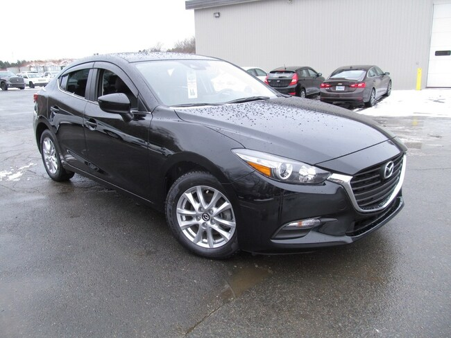 2018 Mazda Mazda3 Leather / Navigation Sedan