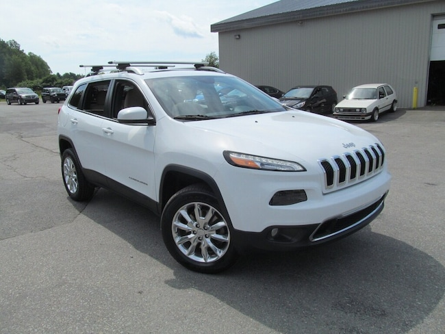 2015 Jeep Cherokee Limited - Leather / Panoramic Sunroof SUV