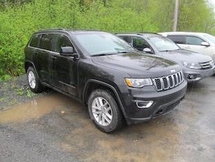 2012 Jeep Grand Cherokee Laredo - Leather / Navigation / Camera SUV