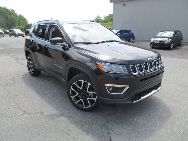 2018 Jeep Compass Limited - Leather / Panoramic Sunroof / Navigation SUV