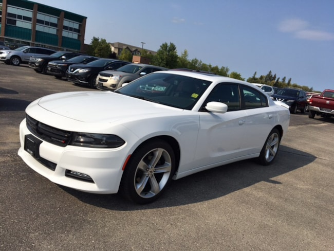 2017 Dodge Charger SXT PLUS *Cooled & Heated Seats* Sedan