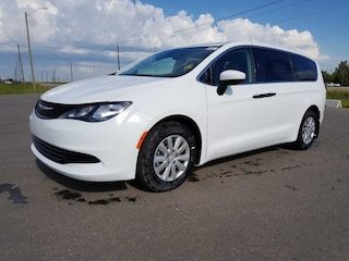 2018 Chrysler Pacifica L Stow N GO | Bluetooth Van