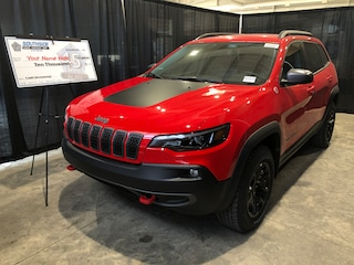 New 2019 Jeep New Cherokee Trailhawk SUV CE19154 1C4PJMBX5KD446783 in Red Deer, AB