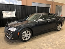 2017 Chrysler 300 Platinum AWD W/ NAV, Panoramic Sunroof Car