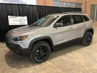 New 2019 Jeep New Cherokee Trailhawk Elite SUV CE19135 1C4PJMBX1KD446764 in Red Deer, AB