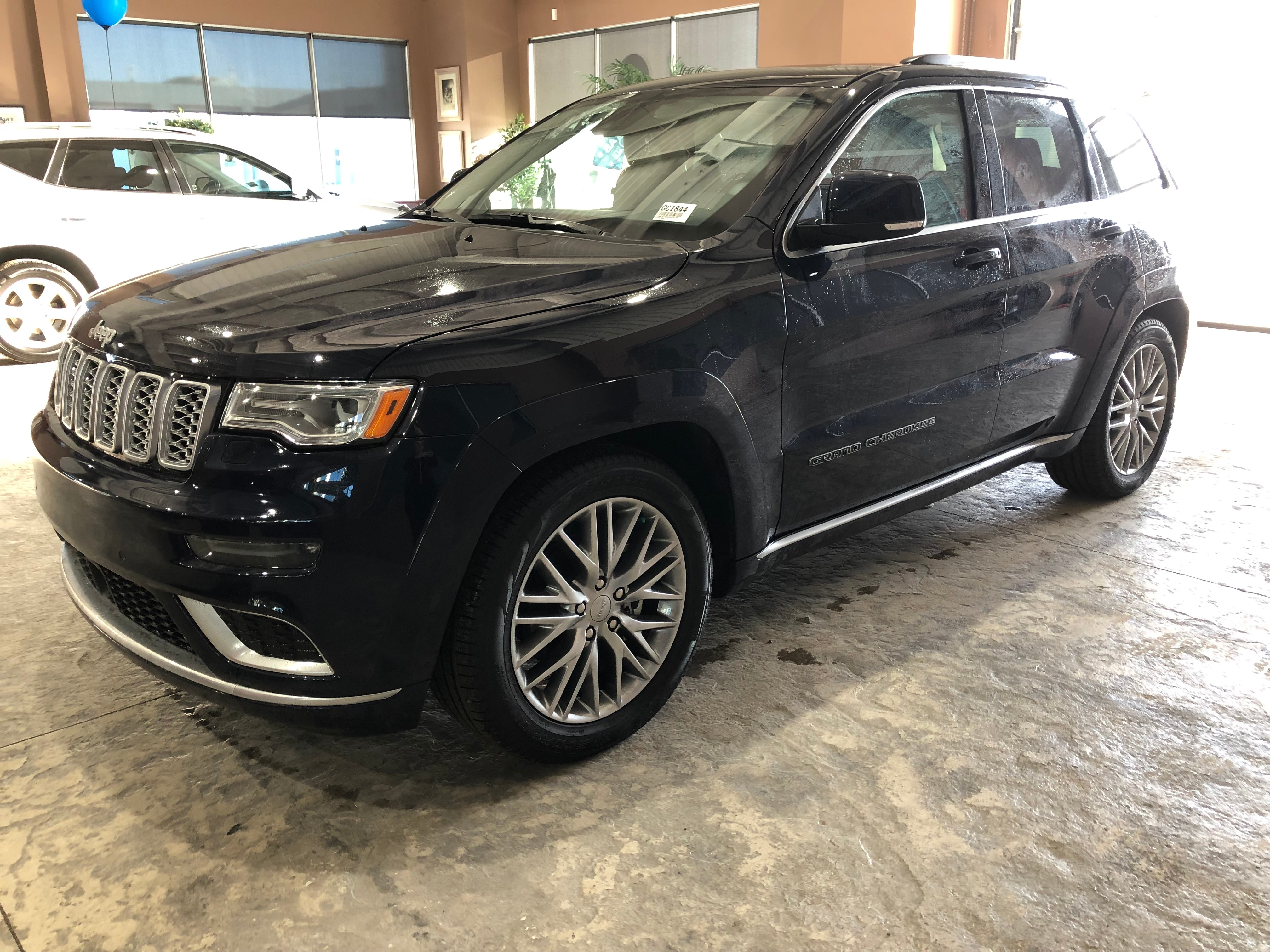 2018 Jeep Grand Cherokee Summit >> Used 2018 Jeep Grand Cherokee Summit Navigation For Sale Red Deer Ab Vin 1c4rjfjg9jc243728