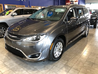 New 2019 Chrysler Pacifica Touring-L Mini-van, Passenger PA1905 in Red Deer, AB