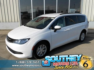 Used 2017 Chrysler Pacifica LX - Only 15,000 km's Minivan 2C4RC1CG0HR727038 in Southey, SK