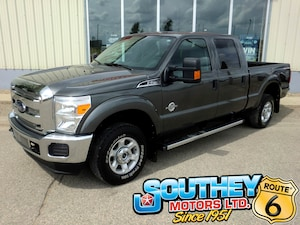 2016 Ford F-250 XLT Super Duty 4x4 - Only 77,000 km's