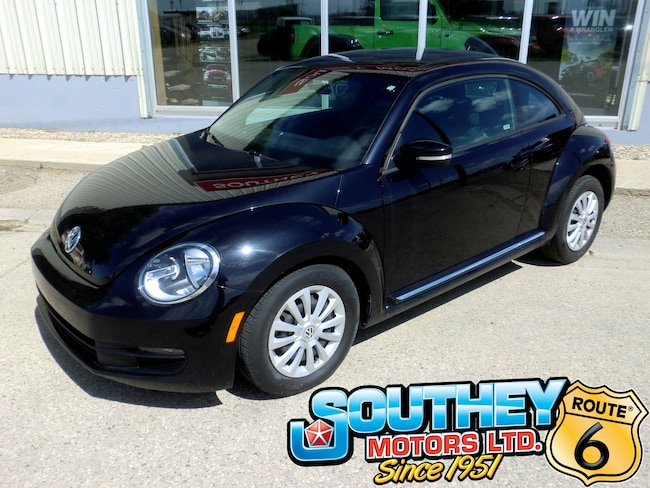 Used 2016 Volkswagen Beetle 1.8 TSI Classic - Only 58,000 km's! Hatchback 3VWJ07AT4GM629318 for sale near Regina
