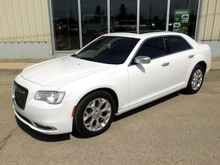 Used 2017 Chrysler 300 C Luxury Series AWD - Low Mileage Berline 2C3CCASG6HH624207 in Southey, SK