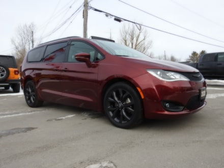 2020 Chrysler Pacifica Limited S- DVD- Adaptive- NAV- Leather- 16,300 KMS
