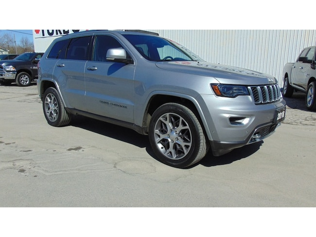 2018 Jeep Grand Cherokee Sterling Edition- NAV-Adaptive- Panoroof-TOW Group SUV