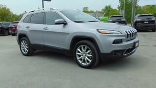 2018 Jeep Cherokee Limited 4X4- Technology Group- 9,100 KMS !!! SUV