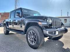 2020 Jeep Gladiator Overland Leather Int, Heated Seats, LED Lights Truck