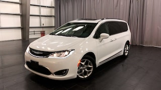 2018 Chrysler Pacifica Touring-L Plus Leather, Stow n go, Sunroof Minivan