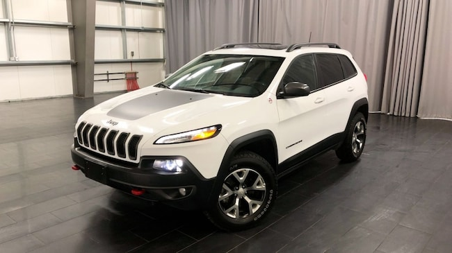 Used 2018 Jeep Cherokee Trailhawk Leather Plus Leather Int, Sunroof SUV Winnipeg