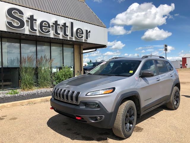 Used 2015 Jeep Cherokee Trailhawk For Sale | Stettler AB