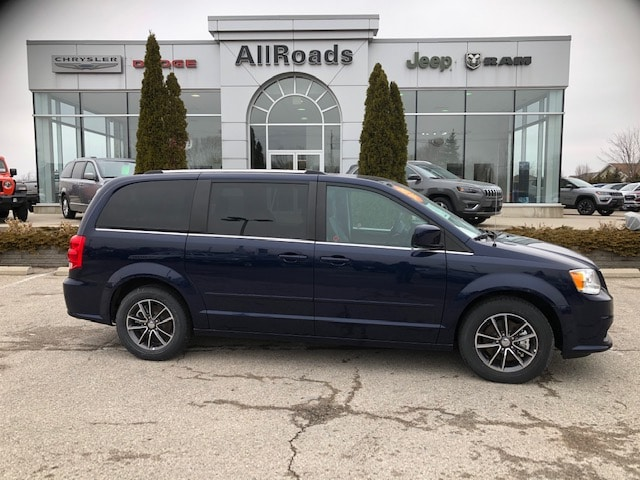 2017 Dodge Grand Caravan Premium Plus with Nav & DVD! Van
