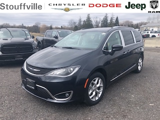 2020 Chrysler Pacifica Touring-L Van