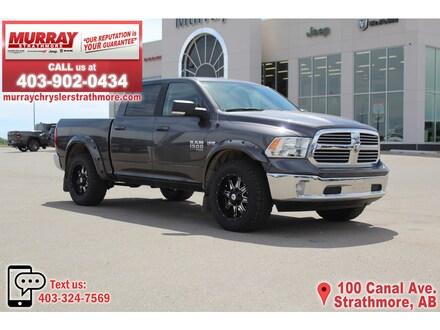 2019 Ram 1500 Classic SLT *Level KIT! Tires! Rims! Fender Flares!* Truck Crew Cab