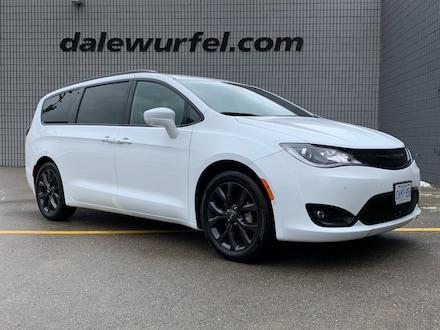 2020 Chrysler Pacifica Touring-L Plus   COMPANY DEMO   Minivan