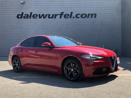 2018 Alfa Romeo Giulia Ti Sport AWD | PANO ROOF | NAV | RED LEATHER | Sedan