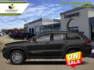 2018 Jeep Grand Cherokee Laredo - Low Mileage SUV 293HP V6 Cylinder Engine