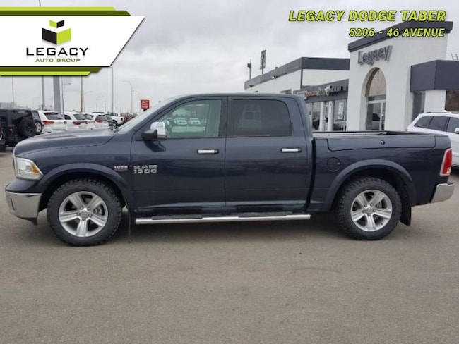 2015 Ram 1500 Laramie ONE Owner, Fully Loaded Crew Cab 395HP 8 Cylinder Engine