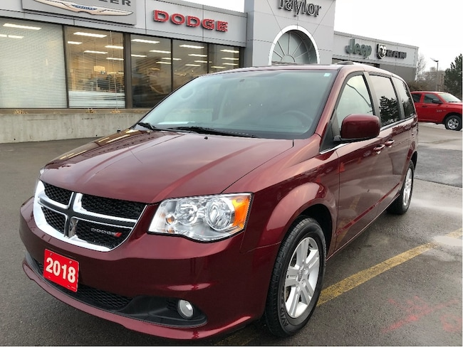 2018 Dodge Grand Caravan Crew Plus w/Leather Heated Seats, Navi, Bluetooth Van Passenger Van
