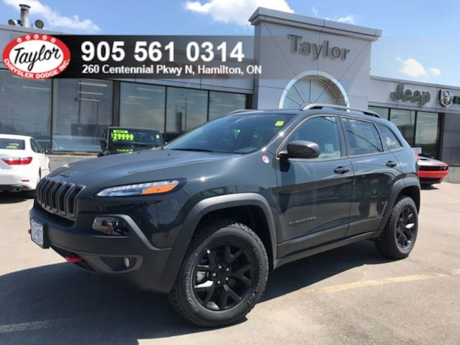 2018 Jeep Cherokee Trailhawk 4x4 V6 w/Safety Tech, Trailer Tow Group SUV