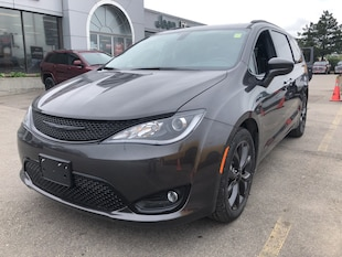 2019 Chrysler Pacifica Touring-L Plus Sport Van