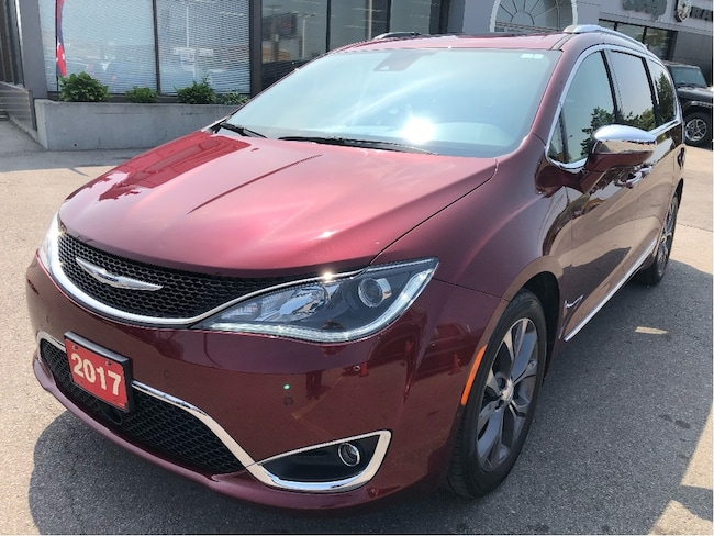 2017 Chrysler Pacifica Limited w/DVDs, Navi, Sunroof, Safety Tech, 20s Van Passenger Van