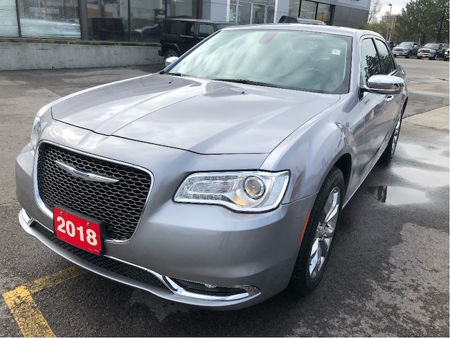 2018 Chrysler 300 Limited AWD V6 w/Pano Sunroof, Navi, Heated Wheel Sedan