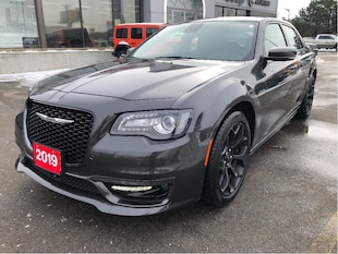 2019 Chrysler 300 300s V6 w/Safety Tech 1/2, Navi, Premium Sound Gro Sedan