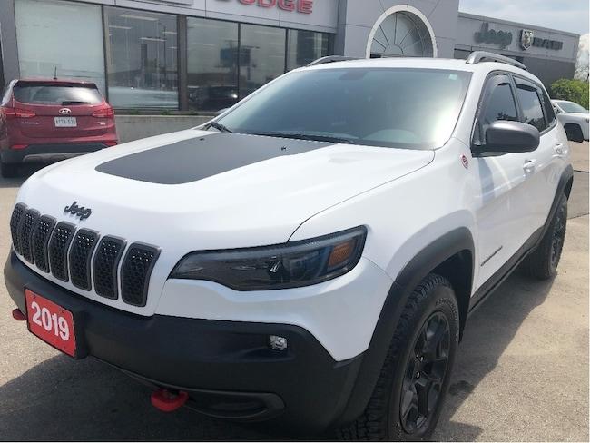 2019 Jeep New Cherokee Trailhawk 4x4 V6 w/Navigation, Power Seat, Bluetooth SUV