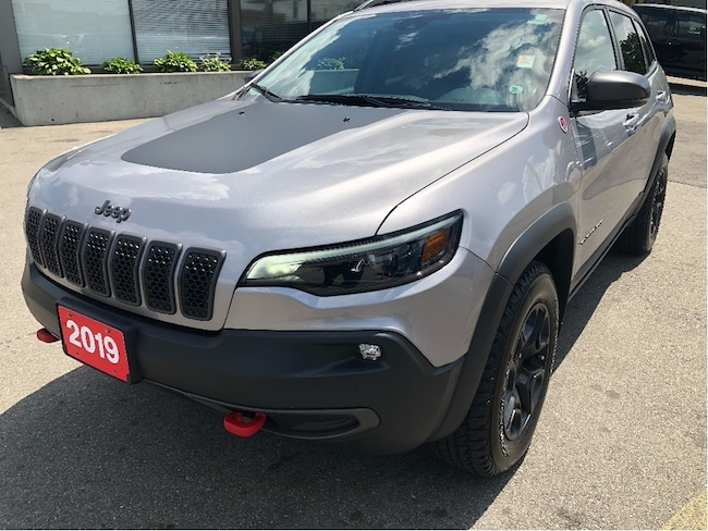 2019 Jeep New Cherokee Trailhawk 4x4 w/Sunroof, Leather, Navi, Safety Tech SUV