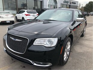2018 Chrysler 300 Limited AWD V6 w/Heated/Cooled Seats, Premium Audi Sedan