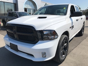 2019 Ram 1500 Classic Express Crew 4x4 V8 Night Package Truck Crew Cab
