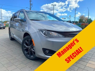 New 2020 Chrysler Pacifica Touring-L Van for sale in Mississauga, ON