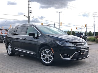 2017 Chrysler Pacifica Touring L Plus**DVD**8 Passanger**Leather**