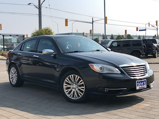 2013 Chrysler 200 Limited**V6**Sunroof**Leather**Touchscreen Sedan
