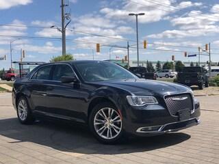 2019 Chrysler 300 Touring L**Panoramic Sunroof**NAV**Leather** Sedan