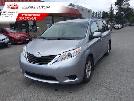 2013 Toyota Sienna LE 8 Pass V6 6A - Trade-in Extended Cargo