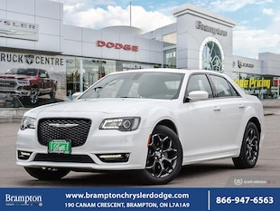 2019 Chrysler 300 S*AWD*PANORAMIC SUNROOF*LEATHER*NAV*HEATED SEATS* Sedan